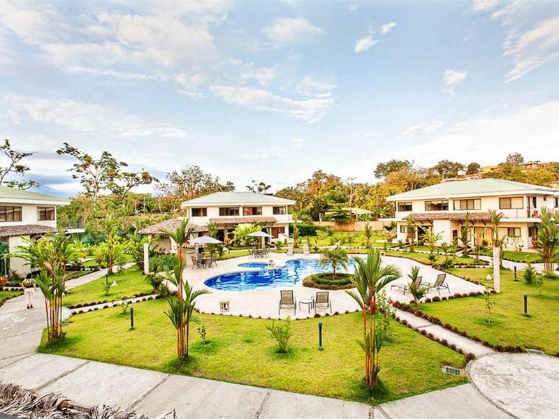 Hacienda Pacifica Condos in Quepos with Pool and beautiful gardens