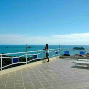 Manuel Antonio Vacation Home With Modern Amenities