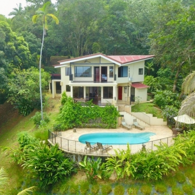 La Rosa Amarilla-Affordable Ocean View 4 bedroom in Ideal Location