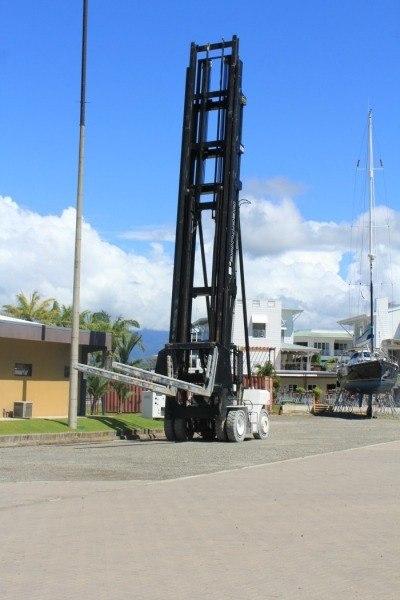 Marina Pez Vela - Boat Yard